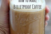 Keto Bulletproof Coffee / Keto Bulletproof Coffee Recipes to keep you in ketosis all day long. These easy fat bombs can be made iced or hot and use mct oil, coconut oil, ghee and grass fed butter.