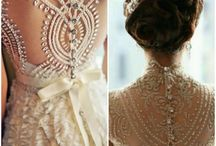 Wedding dresses / by Glaucia Xavier Cardone