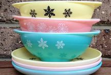 Oooooo.....Pretty Pyrex!! / I love, love, love vintage Pyrex!  Can you say obsession?