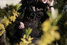 Women in black evil cosplay / Women in black evil cosplay