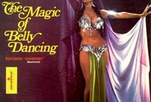 Bellydance Pose Inspirations / Have a bellydance photo shoot planned and don't know how to make your pictures special? Here is a collection of unique and beautiful poses to inspire your own movement. Happy snaps!