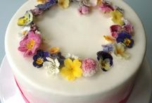 Using real flowers on cakes / I'm not a sugarpaste queen – I prefer to use real flowers, fresh or sugared, on my cakes. Here are some I love ...