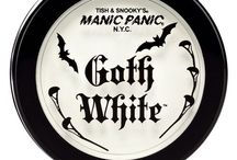 Goth White Cream-to-Powder Foundation / As one of our most popular cosmetics, Goth White is the go-to foundation for those who love the whitest complexion.