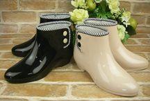 Bottes de pluie/ Rain boots / On veut toutes des bottes de pluie