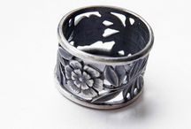 Pierścionki srebrne / Wszystkie pierścionki możemy wykonać z konkretnym rozmiarem lub na regulowanej obrączce.