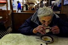 Café pendente: gesto solidário ganha o mundo e mostra o poder de pequenos gestos