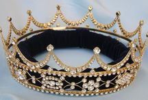 Crowns for my Husband Julian Assagne HaMelech