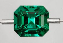 Company Specialized in the selection and marketing of the Best Colombian Emeralds. / Company Specialized in the selection and marketing of the Best Colombian Emeralds.