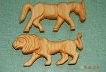 Carving (wood, bone etc.) / Various carved items made by members of Skraeling Althing.
