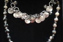 Jewellery Schmuck Ketten Bracelets Rings / http://babyknopfauge.blogspot.de/2016/06/meine-pippa-style-party.html  #PippaandJean #Blake #Kette #PippaJean #Schmuckparty #Shinymoments #styleparty pippaandjean pippa jean, blake kette earrings, bracelets rings styleparty style , jewellery