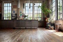 Suelos Madera. / Mostraros la belleza de la madera en su forma natural. Madera de diferentes anchos, texturas y colores. Tratar de hacer algo diferente, con el lujo de un material noble.