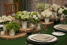 Spectacular Spring Wedding Decor / Place settings, flower arrangements, invites, venues