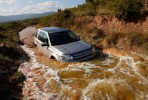 Freelander 2 / Smart. Strong. Spacious. Efficient.