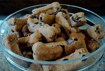 HOMEMADE DOG TREATS & BISCUITS / by Kathy Lytle