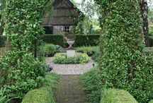 Garden arches n entrances