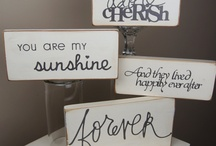Pallet Signs / by Becky Russell-Young