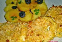 Okusna ideja za današnje hitro kosilo. ;-) Pečena mozzarella z mandeljni...
