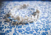 Accesorios para novias / Fajas, tocados de perlas y terminaciones de manguitas que complementan el look.