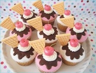 Cupcake Madness / by Lauren Tobin