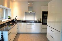 Witte keuken / Witte keukens in verschillende stijlen.
