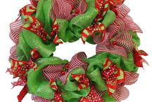Wreaths / by Rose DeGregorio