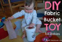 Babyactiviteiten / Activiteiten en spelmateriaal dat speciaal geschikt is voor kinderen van 0 tot 1,5 jaar