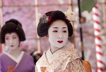 Kyoto maiko / Beautiful foto's of the lives of Kyoto maiko.