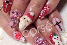 Nails / トレンドネイルや季節のネイルなど、デザインネイルを集めています。