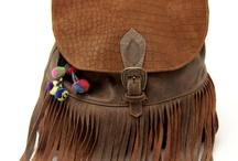 Bags & Handbags / by Carolina Idoyaga