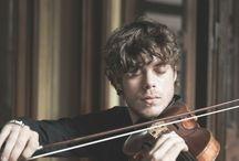 Violin <3 / by Jess Ica