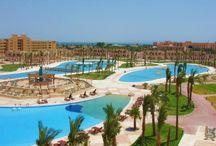 فندق علاء الدين ريزورت, الغردقه بمصر / يقع فى قلب مدينة الغردقة ويبعد عن مطار الغردقة الدولي 6 كيلومتر