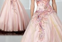 Dresses / by Siera Fosback