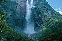 America South - Venezuela / Caracas / Wenezuela, oficjalnie Boliwariańska Republika Wenezueli – państwo położone w północnej części Ameryki Południowej.  Terytorium Wenezueli dzieli się na 3 duże regiony: Andes, Llanos, Guayana.