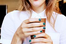Cool manicures and make up! / Make up and manicure