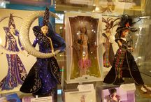 DollsLand Gallery / Come to visit DollsLand Gallery in the historical centre of Prague, where you can see a wonderful exhibition of more than 1200 dolls and 2200 cars!