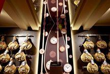 MuSa - Museo della Salumeria di Villani / Dal 1886, Villani Salumi produce e vende salumi di altissima qualità grazie alla cura, esperienza e passione dei veri artigiani tipica di un'antica azienda familiare. Molto interessante il Museo allestito in un'area dello stabilimento di Castelnuovo Rangone.