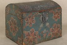 Boxes & Chests - Antique & Vintage / by Susan Stetz