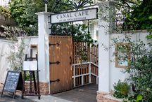Stylish cafe &flower shop