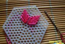 bordados en rejilla plastica