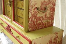 Treasure boxes / Ideas for my new small storage chest / by Laura Butler