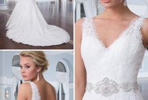 Lace Wedding Dresses / Our Collection of Lace Wedding Dresses