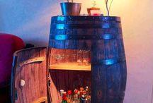 Cave à vin et table basse