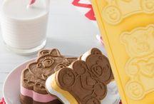 Pavocookies / Scegli uno degli 8 simpatici nuovi stampi PAVOCOOKIES della linea PAVONIDEA e libera la tua fantasia. Puoi creare biscotti gelato, tortine, biscotti, cioccolatini, frittatine e tanto altro... / by Pavonidea