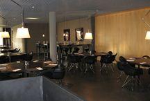 Project Randstad / Randstad is marktleider in Nederland met meer dan 350 vestigingen en 3500 vaste medewerkers. Dagelijks zijn via hun uitzend- en detacheringsactiviteiten ruim 70.000 flexwerkers aan de slag.    Voor het hoofdkantoor van Randstad in Diemen heeft Vitrapoint de inrichting verzorgt van o.a. de representatieve ruimten.