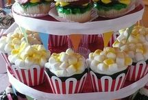 ashlyn and sammie cupcakes / by Mary Kwong