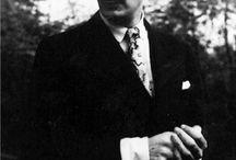 Salvador Dali (The Genius narcissus)
