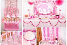 Party Ideas / by Gena Hawkins