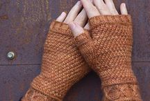 Knit - Mitts / by Tyra Wahl