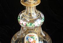Frascos de perfume / by Maria del Carmen Casal Lopez