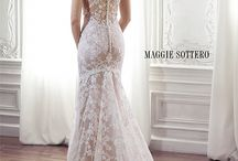 Wedding Dresses / by Hailey Earnhardt